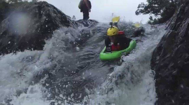rapid boarders on the Tully River