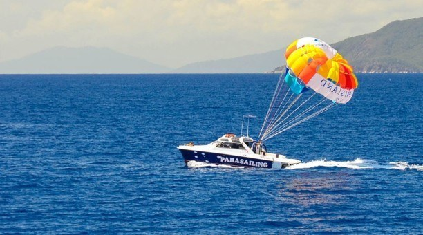 North Queensland Parasailing - Cairns
