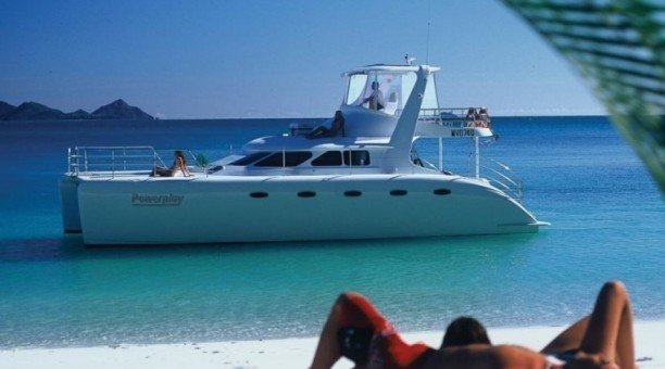 Whitsundays Sailing tour with Powerplay