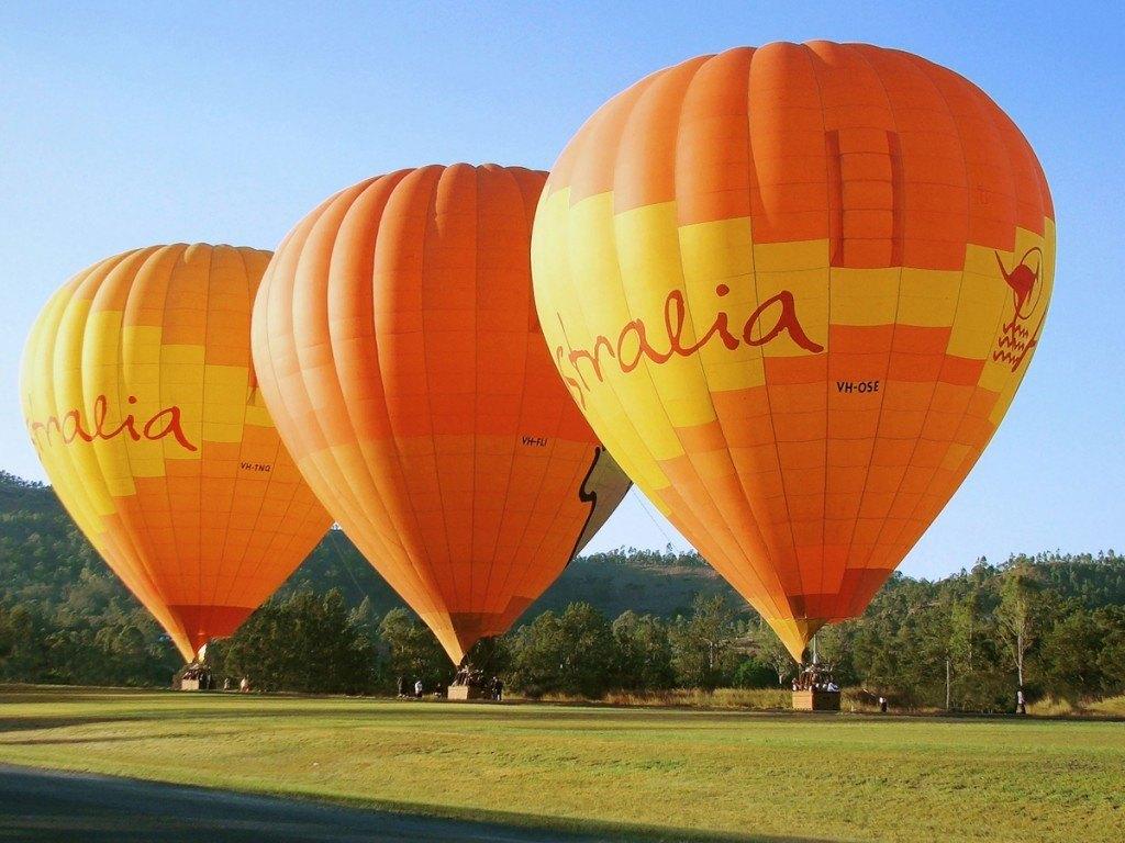 Cairns Hot Air Ballooning Tour - YouTube
