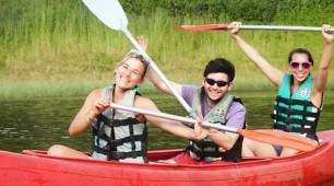 Lake Tinaroo Canoe tour, North Queensland Australia