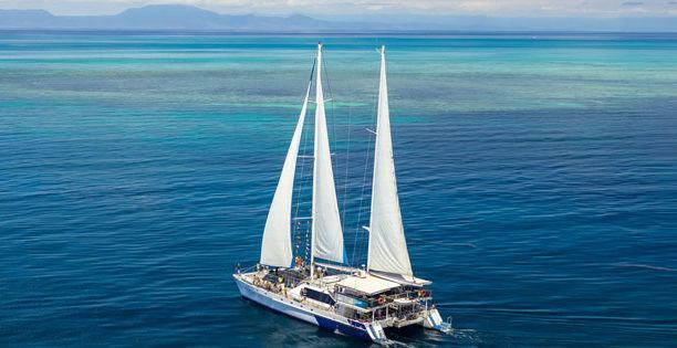 Sail on the tropical Great Barrier Reef