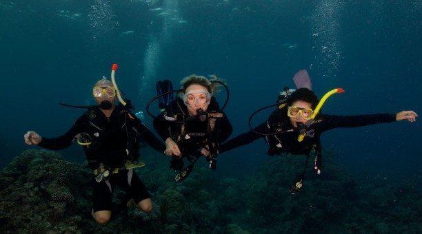 Great Barrier Reef resort scuba diving