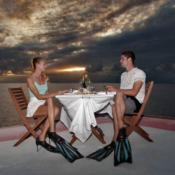 dinner under the stars on Australia's Great Barrier Reef