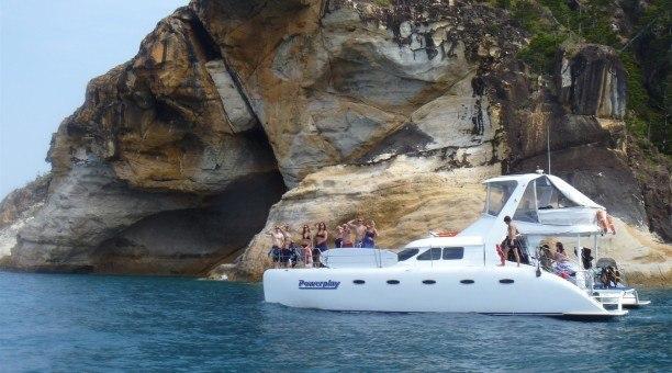 Airlie Beach sailing on catamaran Powerplay