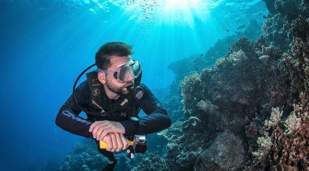 Scuba tours on the Outer Barrier Reefs
