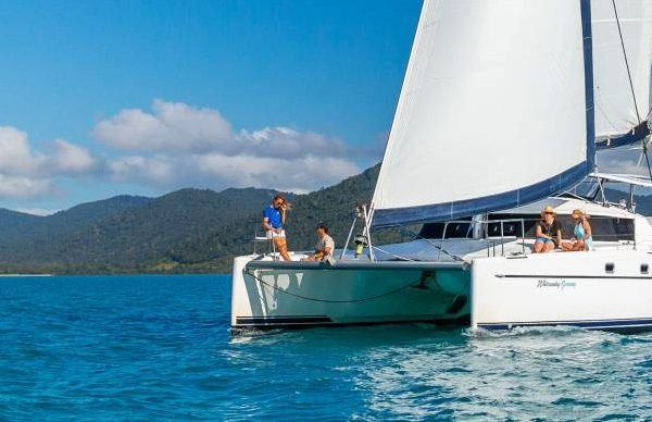 Liveaboard Sailing Whitsundays Getaway